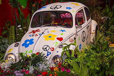 Luv Bug In The Garden Poster by Garry Gay