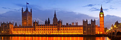 Nightly View London Houses Of Parliament Poster by Melanie Viola
