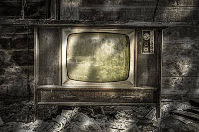 No One's Watching - Vintage Television In An Old Barn Poster by Gary Heller