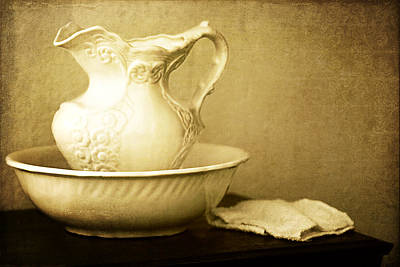 Old Fashioned Pitcher And Basin Poster by Lincoln Rogers