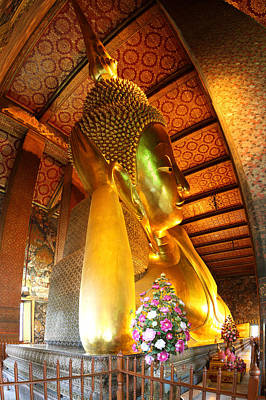 Reclining Buddha - Wat Pho - Bangkok Thailand - 01131 Poster by DC Photographer