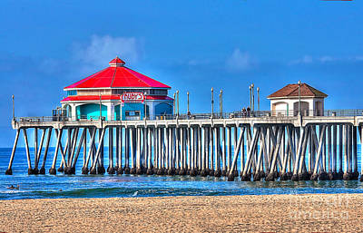 Ruby's Surf City Diner - Huntington Beach Pier Poster by Jim Carrell