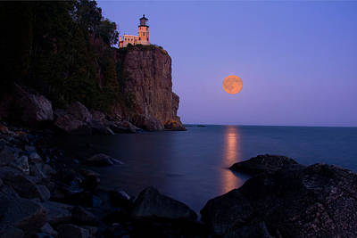Split Rock Lighthouse - Full Moon Poster by Wayne Moran