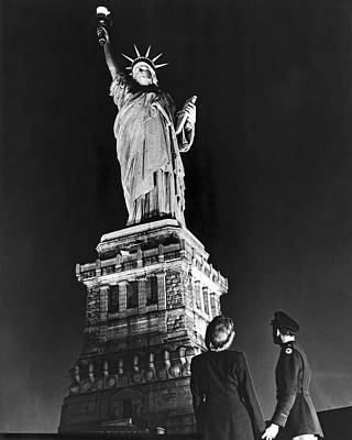Statue Of Liberty On V-e Day Poster by Underwood Archives