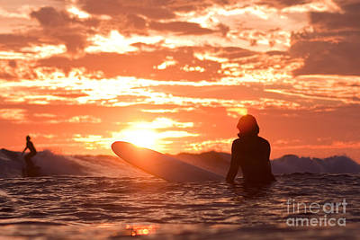Sunset Surf Session Poster by Paul Topp