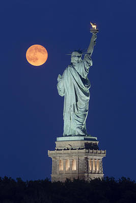 Supermoon Over New York City Poster by Susan Candelario