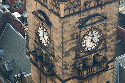 The Clock Tower Of The Sheffield Town Hall. Poster by Rob Huntley