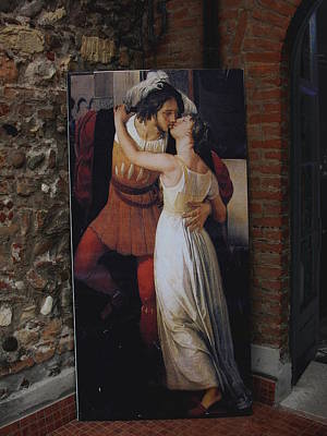 The Kiss Of Romeo And Julieta Poster by Natalie Ortiz