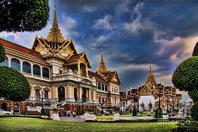 The Majestic Grand Palace Bangkok  Poster by David Smith