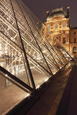 The Pyramide Du Louvre, Paris, France Poster by William Sutton