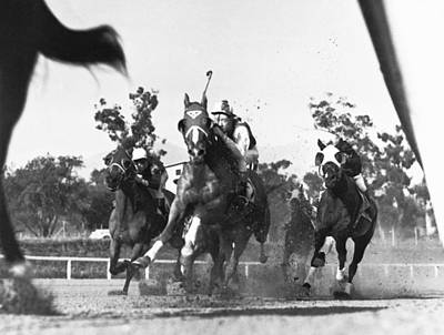 Thoroughbreds Down The Stretch Poster by Underwood Archives