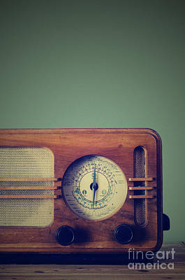 Vintage Radio Poster by Jelena Jovanovic