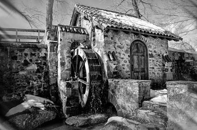 Water Wheel Mill At Eastern College In Black And White Poster by Bill Cannon