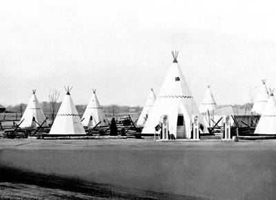 Wigwam Village Gas Station Poster by Underwood Archives