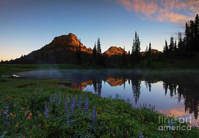 Yakima Peak Sunrise Poster by Mike  Dawson