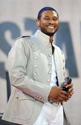 Usher On Stage For Abc Gma Concert Poster by Everett