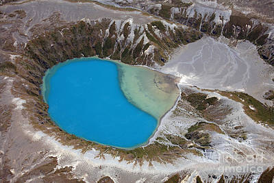 Aerial View Of Crater Lake In Tongariro Poster by Richard Roscoe