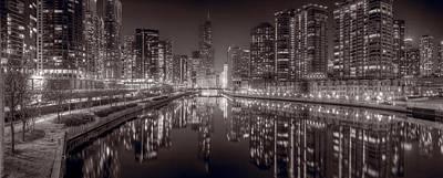 Chicago River East Bw Poster by Steve Gadomski
