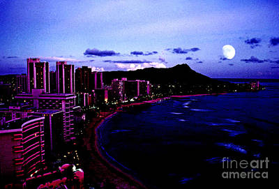 Diamond Head Moonrise Poster by Thomas R Fletcher