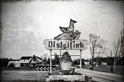 Pennsylvania Dutch Poster featuring the photograph Distelfink - Gettysburg by Bill Cannon