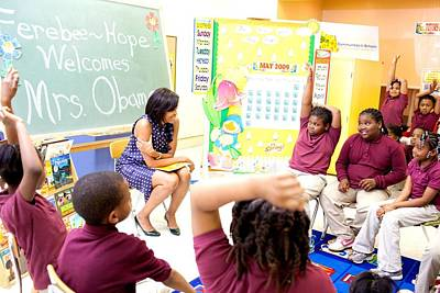 First Lady Michelle Obama Chats Poster by Everett