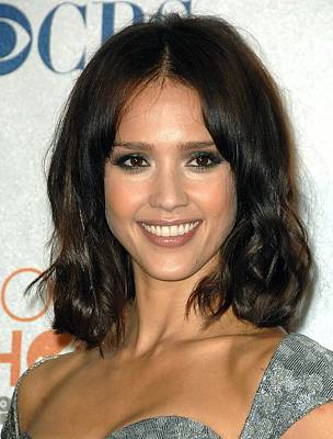 Jessica Alba In The Press Room Poster by Everett