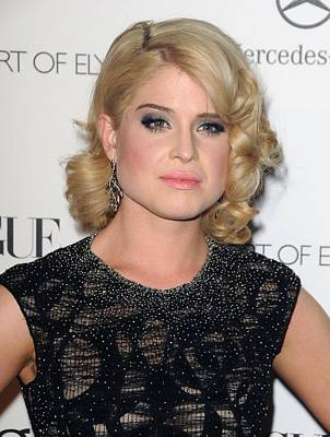 Kelly Osbourne At Arrivals For The Art Poster by Everett