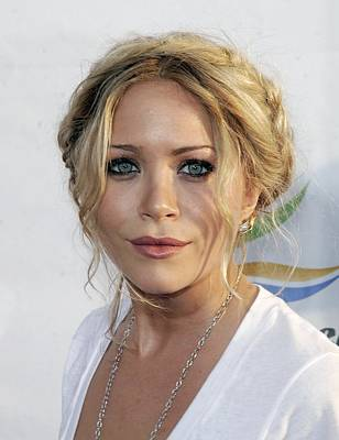 Mary-kate Olsen At Arrivals For Weeds Poster by Everett