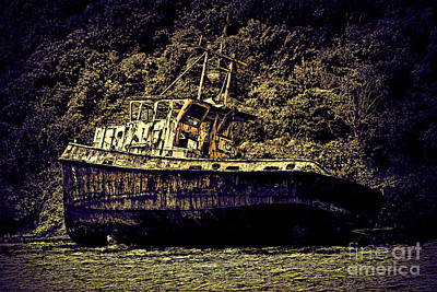 Shipwreck Poster by Tom Prendergast