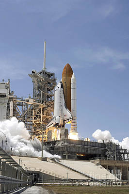 Space Shuttle Atlantis Twin Solid Poster by Stocktrek Images