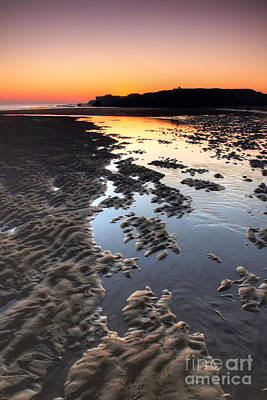 Sunrise At Trow Rocks Poster by Ray Pritchard