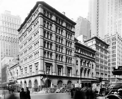 The Metropolitan Opera House, New York Poster by Everett