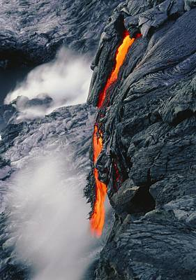 Pahoehoe Lava Flow From Kilauea Volcano, Hawaii Poster by G. Brad Lewis