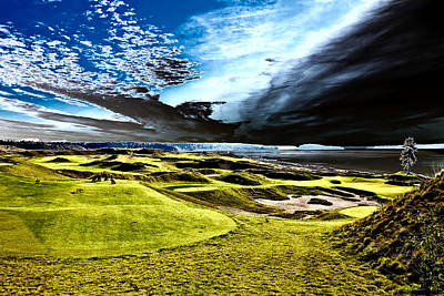 A Dramatic View On Hole 15 - Chambers Bay Poster by David Patterson