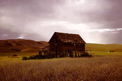 Abandoned Farmhouse East Of Yakima Poster by Jeff Swan