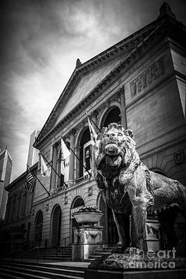 Art Institute Of Chicago Lion Statue In Black And White Poster by Paul Velgos