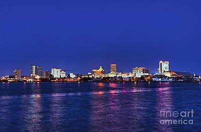 Atlantic City Skyline. Poster by John Greim