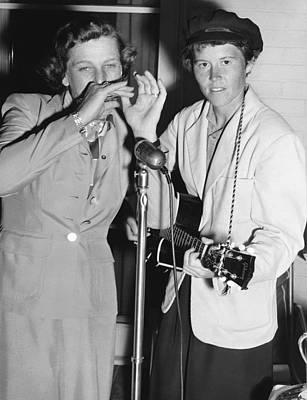 Babe Didrikson And Betty Dodd Poster by Underwood Archives
