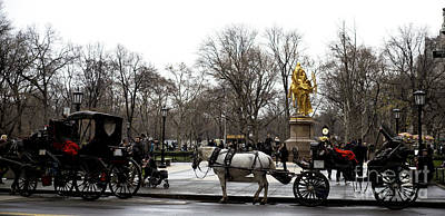 Carriage At The Grand Army Plaza Poster by John Rizzuto