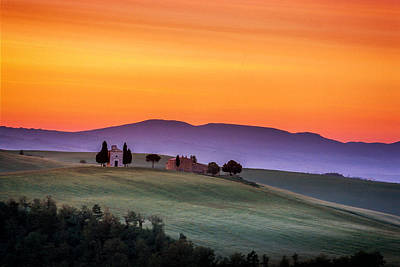 Chapel And Farmhouse In Tuscany Poster by Andrew Soundarajan