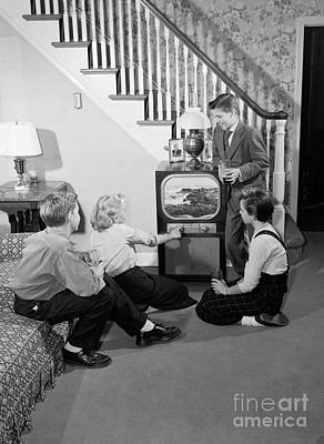 Children Watching Tv, C.1950s Poster by H. Armstrong Roberts/ClassicStock