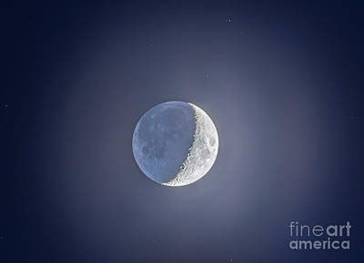 Crescent Moon With Earthshine Poster by Alan Dyer