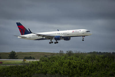 Delta Air Lines 757 Airplane N557nw Poster by Reid Callaway