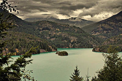 Diablo Lake - Le Grand Seigneur Of North Cascades National Park Wa Usa Poster by Christine Till