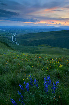 Dusk Over The Yakima Valley Poster by Mike  Dawson
