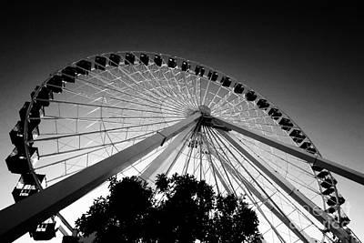 Ferris Wheel Poster by Leslie Leda