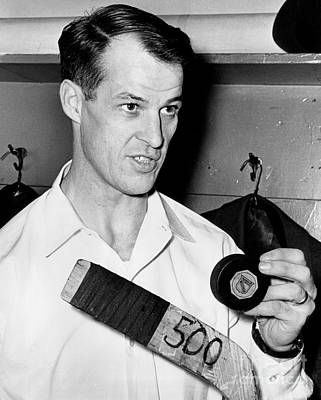 Gordie Howe Is Only The Second Player In Hockey History To Score 500 Goals 1962 Poster by William Jacobellis