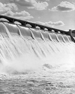 Grand Coulee Dam, Washington State Poster by H. Armstrong Roberts/ClassicStock