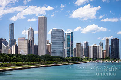Hi-res Picture Of Chicago Skyline And Lake Michigan Poster by Paul Velgos