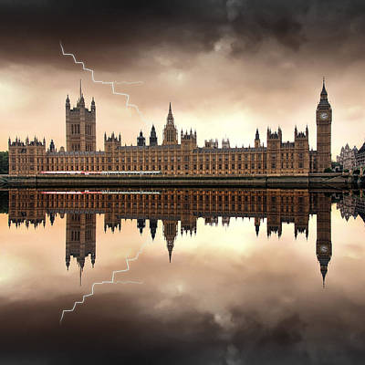 London - The Houses Of Parliament  Poster by Jaroslaw Grudzinski